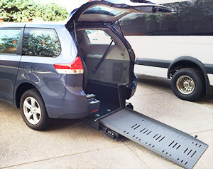wheelchair-accessible-van-braun-rear