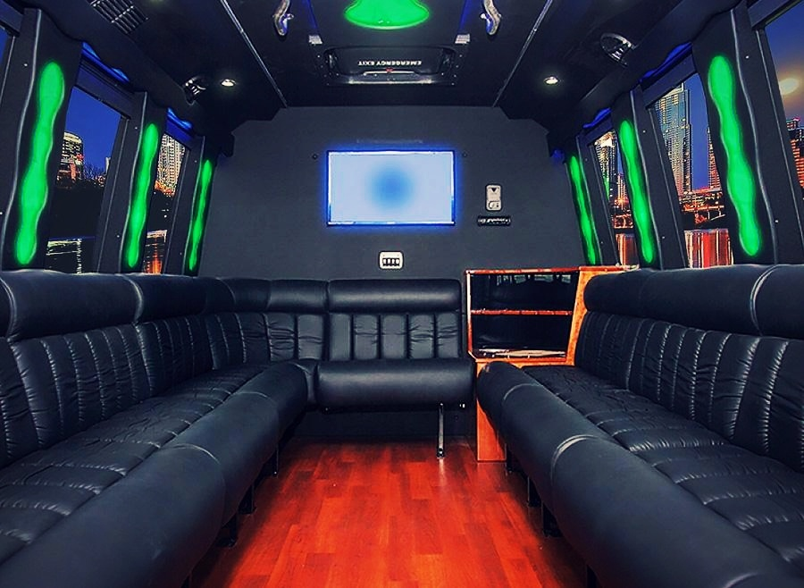 limo bus -941676-edited.jpg