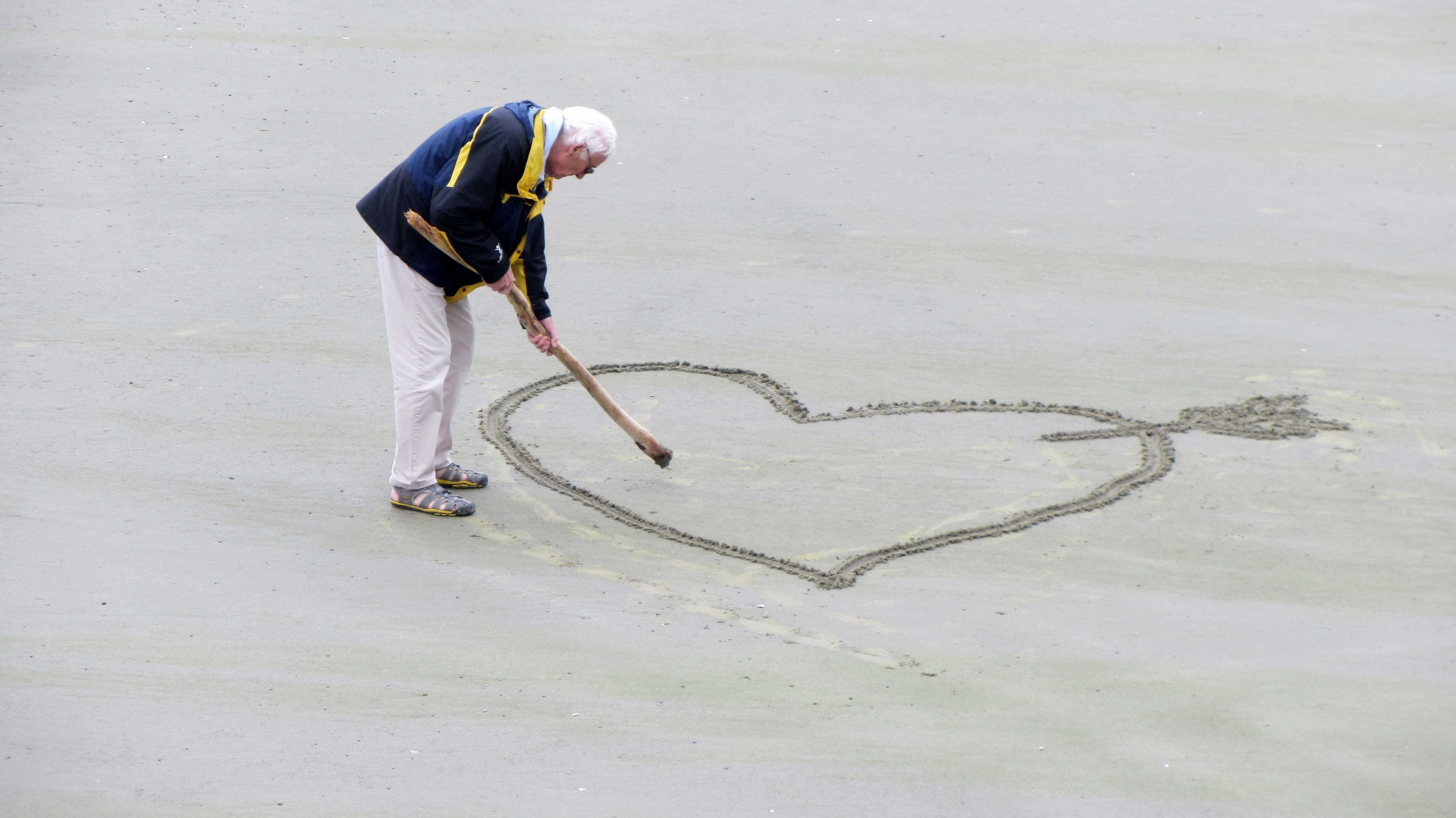 love-old-people-the-heart-of-pension-160936.jpg