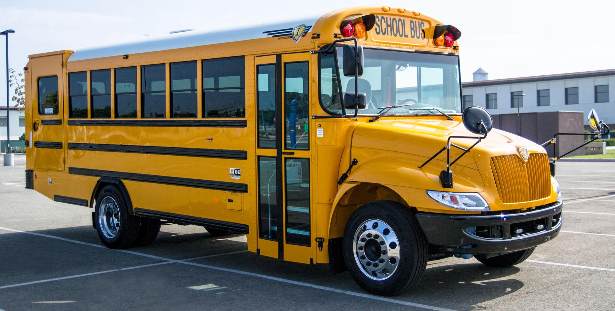slideshow-schoolbus-type-c-ce-parkinglot.jpg